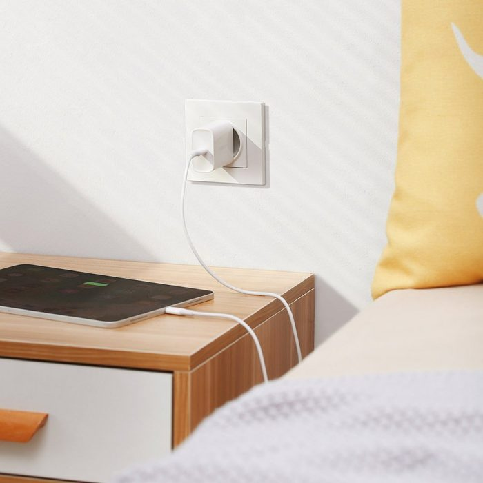 wall chargers - ugreen fast wall charger travel adapter usb typ c power delivery 30 w quick charge 4.0 white (70161) - 4 - krytaren.sk